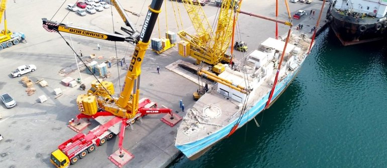 Heavy Lifting & Transporting of 500 Ton Boat